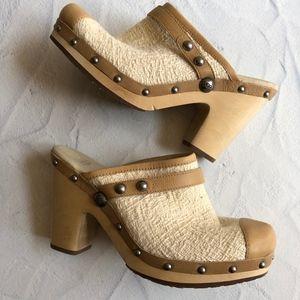 Ugg Jolen Sheepskin Leather Cream Tan Clogs 8